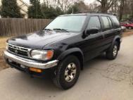 1999 Nissan Pathfinder SE