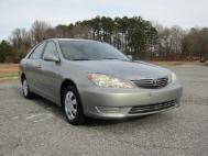 2005 Toyota Camry LE
