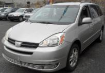 2004 Toyota Sienna minivan